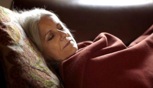 Качественный сон в пожилом возрасте: простые правила