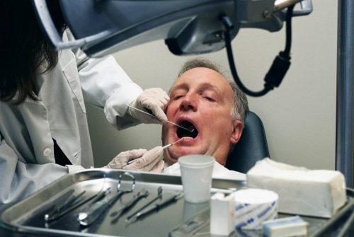 Рекомендации по уходу за зубами и ротовой полостью в пожилом возрасте